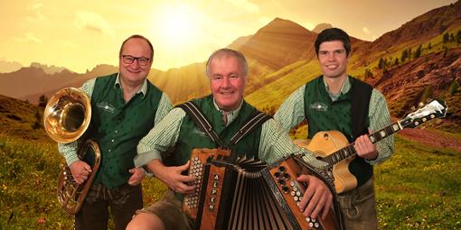 Bergfex spielt auf einer Alpen Harmonika vom Musikhaus Gollob